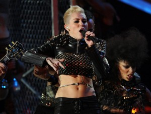 miley-cyrus-Performers-We-Hoped-They-Headline-2014-Super-Bowl-XLVIII-Halftime-Show