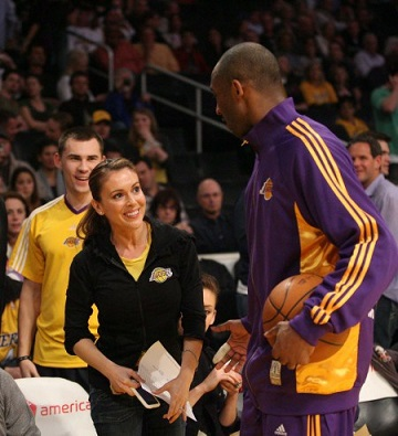 Alyssa-Milano-LA-Lakers
