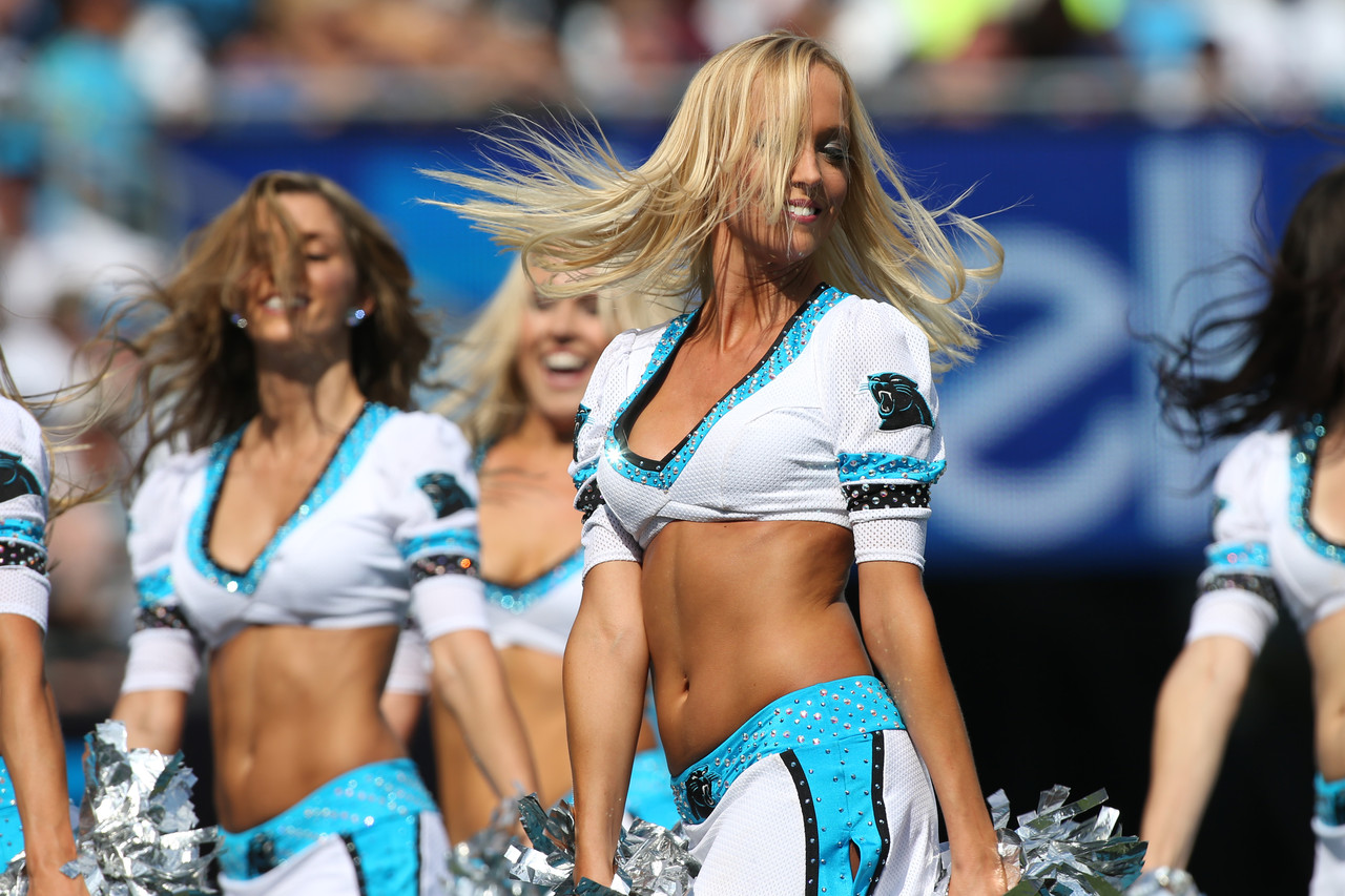 10 Hottest NFL Cheerleaders September 2015
