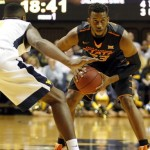 Oklahoma State Cowboys vs. Kansas Jayhawks Predictions, Picks, Odds and NCAA Basketball Betting Preview – February 15, 2016