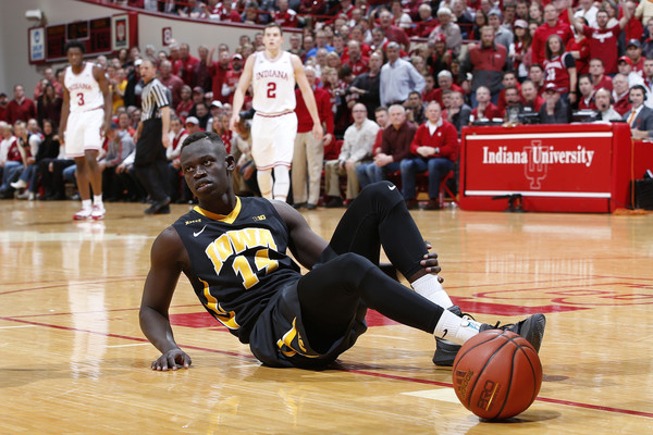 Wisconsin vs Iowa Basketball Predictions, Picks and Preview – Feb 24